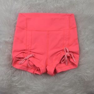 Lululemon Size 4 Liberty Shorts Grapefruit Coral